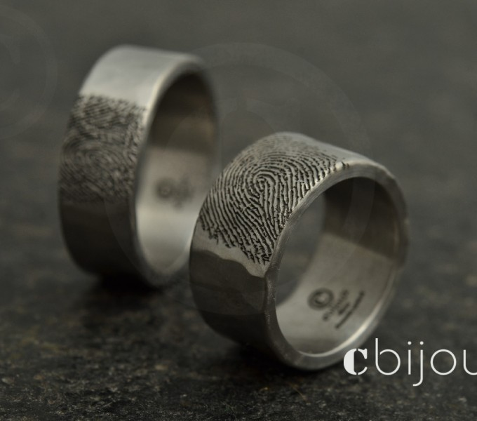 Wedding rings fingerprint engraved