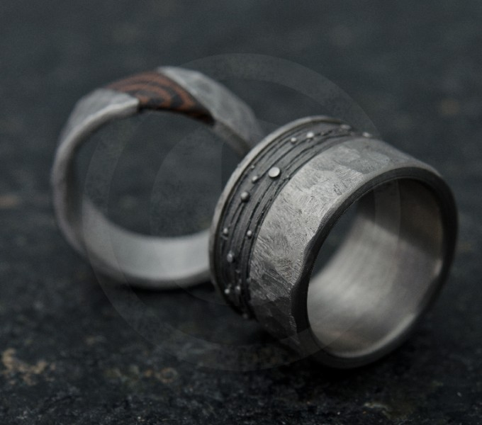 Wedding rings in titanium and lost wax ring with precious wood